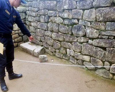 Cinco turistas serán deportados y otro irá a juicio por daños en Machu Picchu