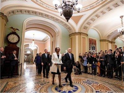 Cargos para juicio político a Donald Trump llegan al Senado