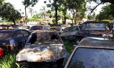 Policía aguarda autorización judicial para destrucción de vehículos