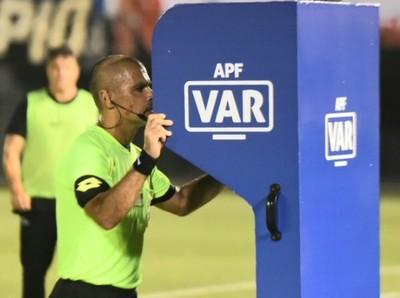 El VAR hace su entrada al fútbol paraguayo
