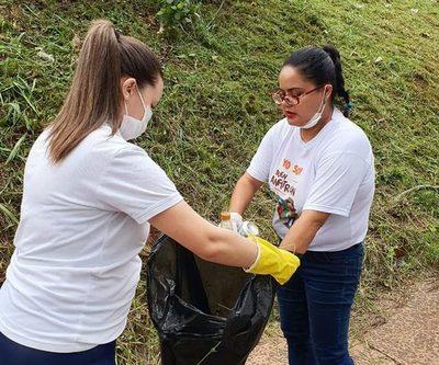 «Juntos contra el Dengue» realizan limpieza en el Puente de la Amistad