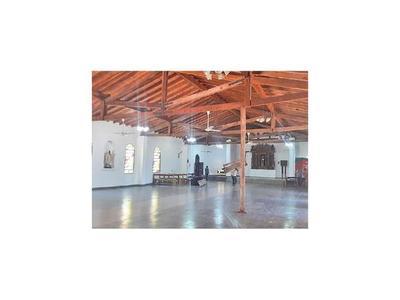 Iglesia  Santa Rosa está con  peligro de derrumbe del techo