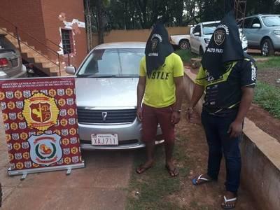 Detienen a dos hombres y recuperan vehículo robado
