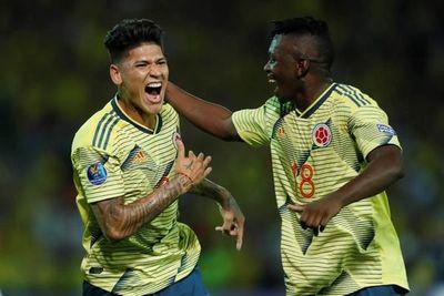 Colombia golea, Carrascal brilla, Chile gana de nuevo y Ecuador decepciona