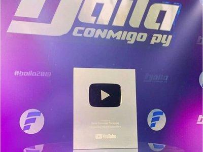 El Baila consigue placa de YouTube