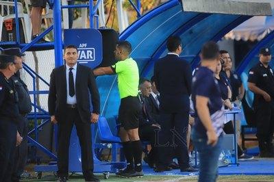 Por una mano, el VAR interviene para anular un gol a Sol de América