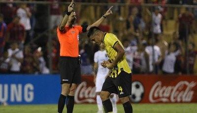 La jugada previa al gol de Cerro que fue anulada por el VAR
