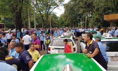 Taxistas amenazan con sitiar la Junta Municipal de CDE