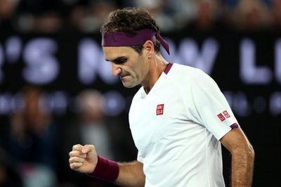Multan a Federer por decir una grosería
