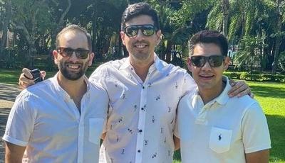 """HOY / Roncha por encuentro de  """"Santula y sus competencias""""  y el ninguneo a Oscar Acosta"""
