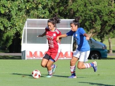 Práctica de fútbol como tarea principal