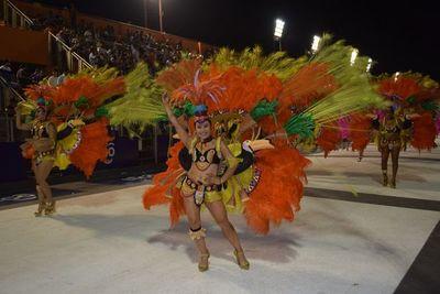 Carnaval encarnaceno cumple su segunda ronda de desfiles