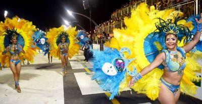 Carnaval entra en su apogeo