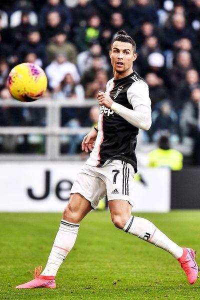 Cristiano iguala a Trezeguet  y mantiene firme a Juventus