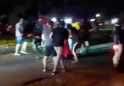 Conductor agredido por motociclistas podría quedar con secuelas tras brutal golpiza