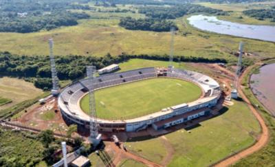 HOY / El estadio de Encarnación ya está con la estructura completa