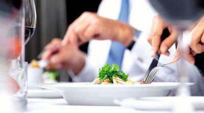 """Menú """"económico"""" a G. 44.000 el plato desean comer los concejales"""