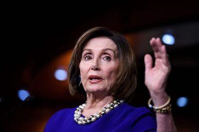 """Pelosi acusa a Trump de convertir el Congreso en un """"reality show"""""""