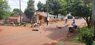 Vecinos reparan transitada calle vecinal