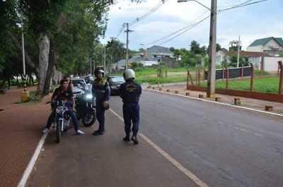 Multan a motociclistas sin casco en Ciudad del Este