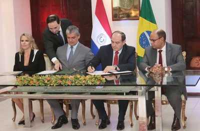 Firman acuerdo automotriz con Brasil con proyección de USD 750 para nuestro país