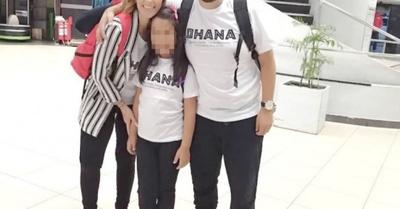 ¡José Ayala y su doña adoptaron a una hija!