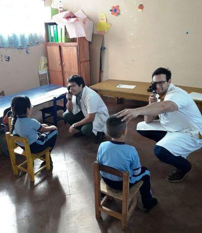 Recuerdan importancia de control oftalmológico antes de iniciar las clases
