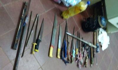 Incautan unas 20 armas blancas en penitenciaría de San Pedro
