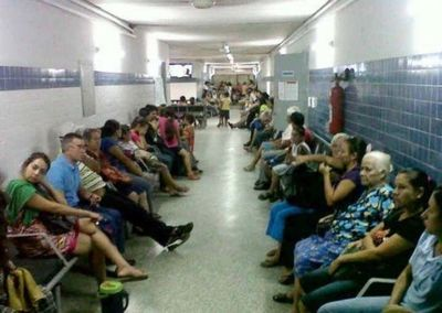 Están trabajando a tope y hasta rebasados, pero ministro de Salud no quiere emergencia por dengue