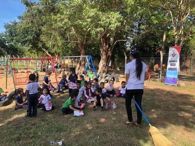Proyecto Protectores del Lago continúa sembrando educación
