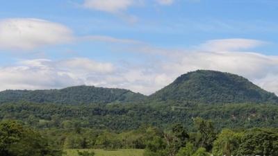 Distrito de Independencia: la joya turística que impresiona por su acervo natural Independencia ofrece a los visitantes una exuberante vegetación, enmarcada por una serranía de gran belleza escénica. Foto: Gentileza.