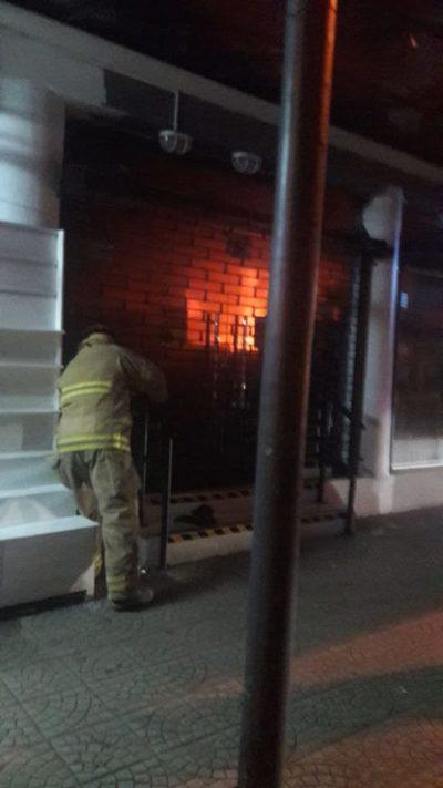 Incendio en zona del mercado fue controlado