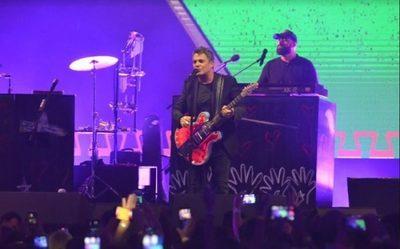 Alejandro Sanz enamora a su público en el SND Arena