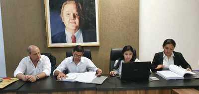 Gobernación abre sobres para la compra de merienda escolar