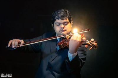 Violinista paraguayo Óscar Aguilar Más actuará hoy en España