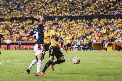 Cerro cayó en Ecuador, pero dejó la serie abierta