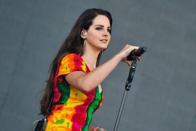 """Lana del Rey cancela su gira en Europa al """"perder completamente la voz"""""""