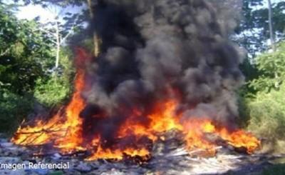 Quema de basuras terminó incinerando vehículos en Puesto Policial