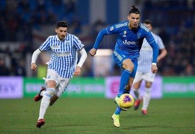 Juventus cumple y Ronaldo iguala un récord en su partido 1.000