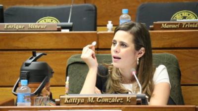 """Kattya propondrá estudio paralelo del Anexo """"C"""""""