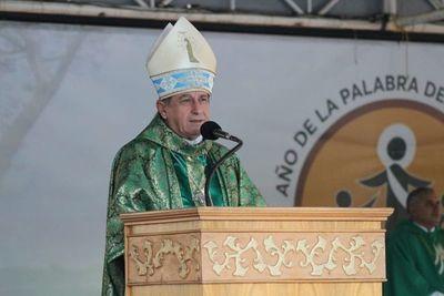 """Obispo urge el """"milagro"""" de que emerjan políticos honestos en Paraguay"""
