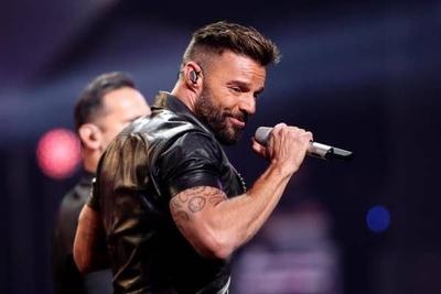 "HOY / Ricky Martin provoca al ""monstruo"" en difícil noche inaugural de Viña del Mar"