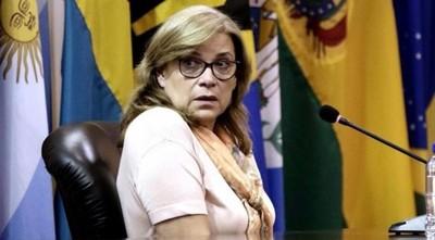 Reimpulsan querella contra Cristina Arrom por difamación y calumnia