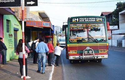 Fernando de la Mora con buses municipales para cubrir déficit de micros en horario nocturno