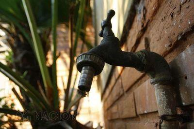 Essap restablece servicio en barrios capitalinos pero con agua turbia