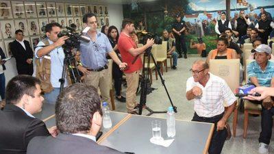 Limpiavidrios seguirán en las calles de Asunción