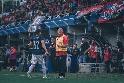 'Toti' Acosta pegó duro a Claudio Aquino por ir a Cerro