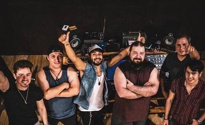"""HOY / La banda de rock nacional 'Acero', presenta """"Ese Momento"""""""