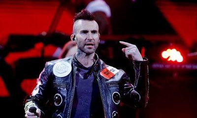 """Adam Levine se disculpa por la presentación """"poco profesional""""  de Maroon 5 en Viña del Mar"""