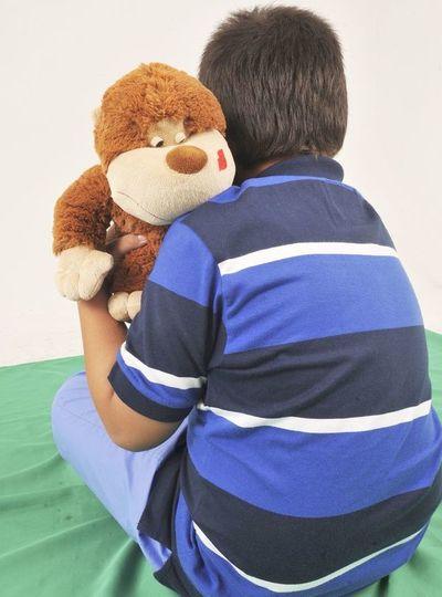 Escuelas rechazan niños con autismo, denuncian